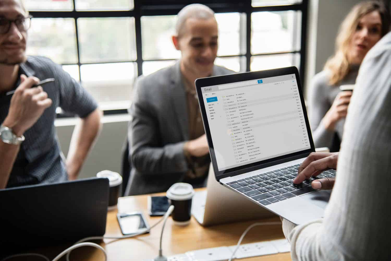 Aprenda como construir um mailing de qualidade e saber porque é uma má ideia comprar listas de emails!